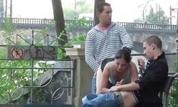 sokakta cekılen grup sex pornoları