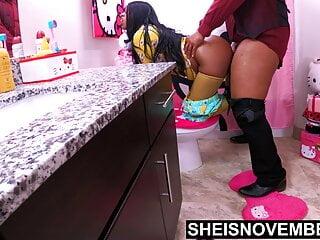 ikinci karısının zenci kızı tuvalette siken peder